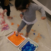Painting with our feet on Bubbles
